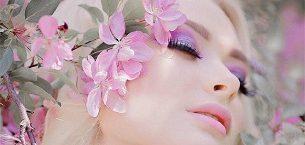 فشن-مدل آرایش صورت، مو و ناخن